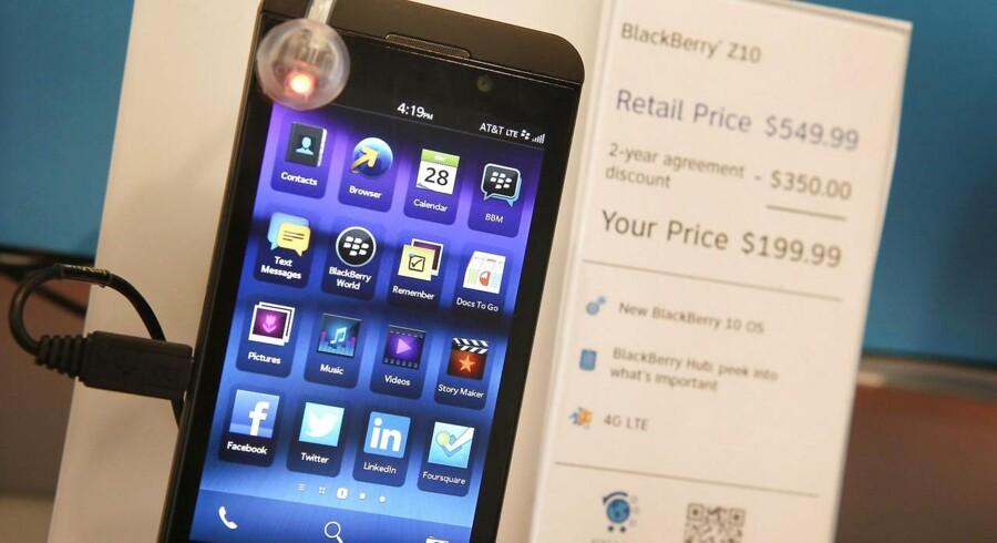 Blackberrys nyeste telefon, den en måned gamle Z10, sælger over forventning. Foto: Scott Olson, AFP/Scanpix