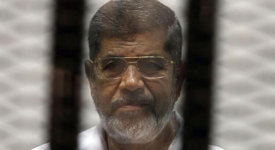 ARKIVFOTO: En domstol i Egypten har idømt landets tidligere islamistiske præsident, Mohamed Morsi, til 20 års fængsel. Det oplyser den arabiske nyhedskanal Al Jazeera.