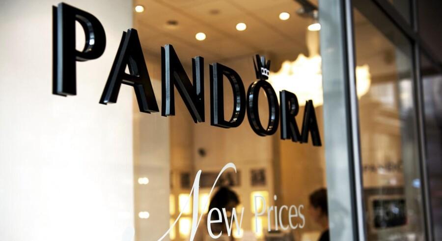 Pandora på Strøget. Pandoras omsætning steg med 32, 5% i 2014 Årets resultat blev 3, 1 milliard, hvil ket er 1 milliard bedre end i 2013. (Foto: Nils Meilvang/Scanpix 2015)