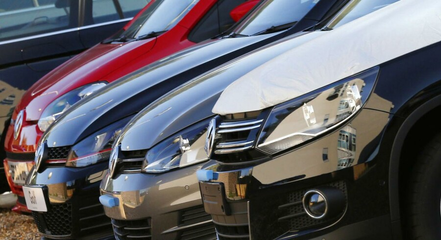 Volkswagen cars are seen at a dealership in London, Britain September 30, 2015. Volkswagen UK said on Wednesday around 1.2 million vehicles in Britain, including Audi, Seat and Skoda cars, were affected by the emissions software at the centre of an investigation into rigging of vehicle emissions tests. REUTERS/Stefan Wermuth