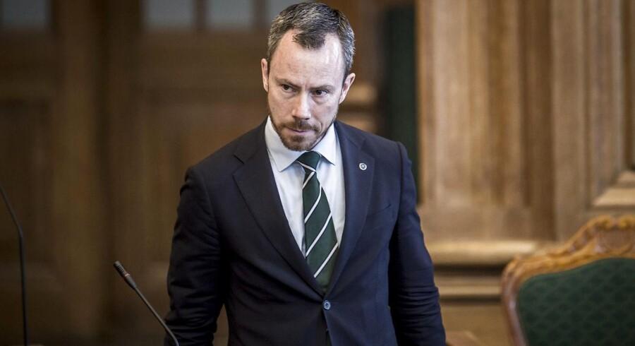 (ARKIV) Miljøminister Jakob Ellemann-Jensen (V) under den udvidet spørgetime i Folketingssalen på Christiansborg i København, tirsdag den 8. maj 2018.
