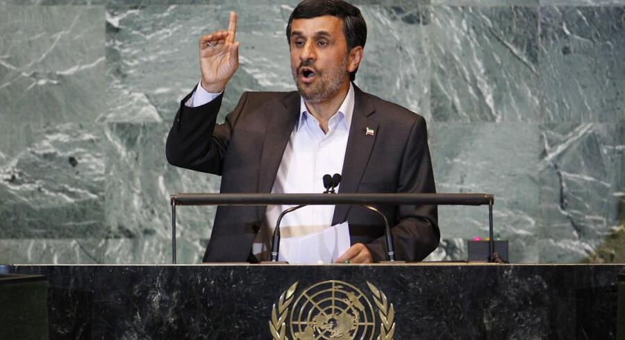Delegerede fra USA og 27 EU-lande udvandrede under den iranske præsident Mahmoud Ahmadinejads tale på den 66. Generalforsamling i FN i New York.
