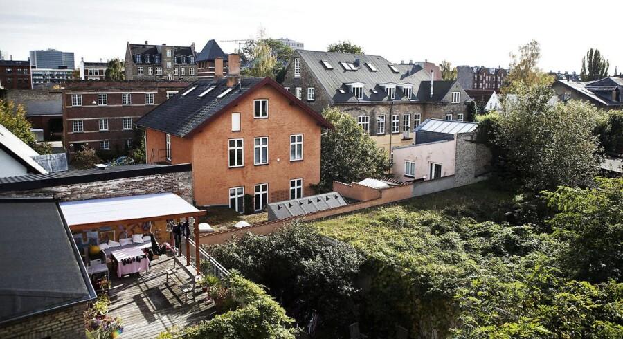 Selvom Frederiksbergs boligejere i de kommende år vil opleve gevaldige stigninger i grundskylden, er områdets popularitet ikke faldet blandt boligkøberne.