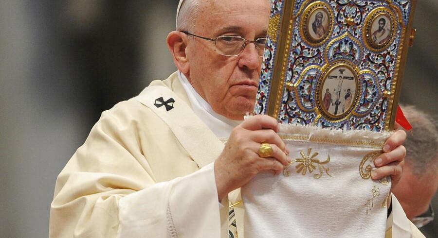 Ordene faldt under en messe i Sankt Peters Kirken i Vatikanet i Rom, hvor 100-året for de tragiske hændelser blev markeret
