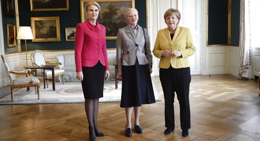 Tysklands forbundskansler Angela Merkel er på officielt statsbesøg i Danmark, tirsdag den 28. april, 2015. Angela Merkels besøg indledes med en privat audiens hos dronning Margrethe i Christian VII's Palæ på Amalienborg, hvor hun også er sammen med statsminister Helle Thorning-Schmidt.