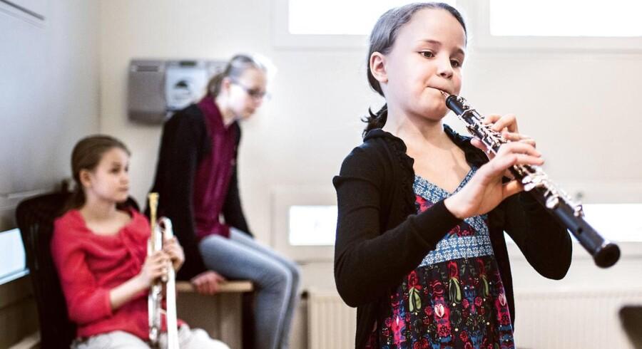 Berlingskes klassiske musikkonkurrence 2015.Her spiller Liv Christine Bye Byrialsen obo, mens hendes søstre venter i baggrunden.