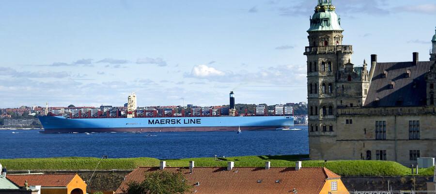 Verdens største containerskib Majestic Mærsk afsejlede fra København, dd formiddag , og passerede Helingør og Kronborg ved middagstid...