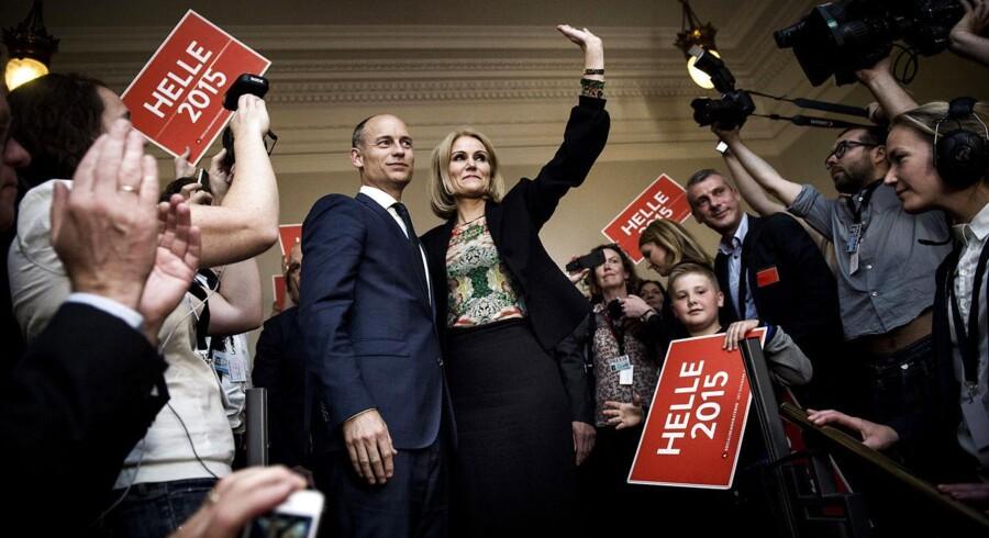 Helle Thorning-Schmidt går af som formand for Socialdemokraterne i Fællessalen på Christiansborg på valgnatten, torsdag den 18. juni 2015. (Foto: Thomas Lekfeldt/Scanpix 2015)