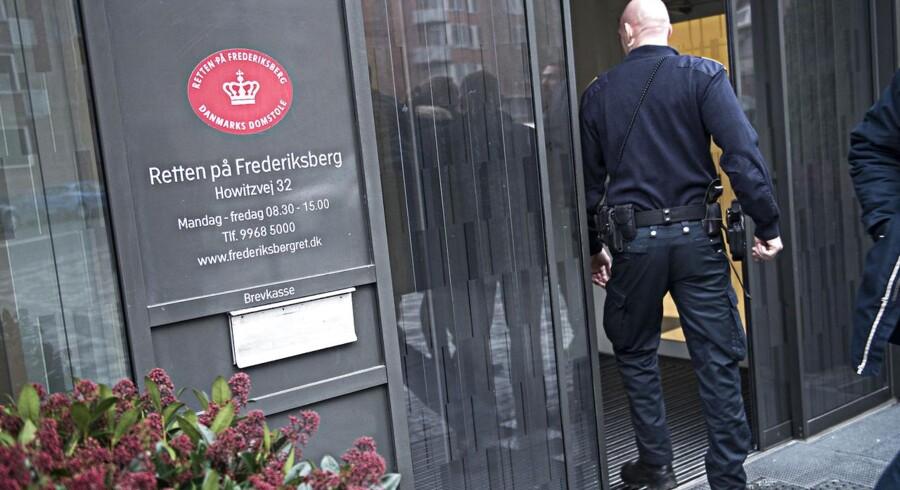 Lørdag er alle fire blevet fremstillet i grundlovsforhør i Retten på Frederiksberg, og her har politiet krævet dem varetægtsfængslet.