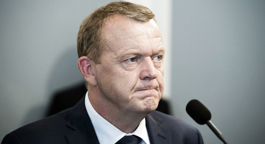 Statsminister Lars Løkke Rasmussen bør udskyde folkeafstemningen om retsforbeholdet, mener Berlingske.