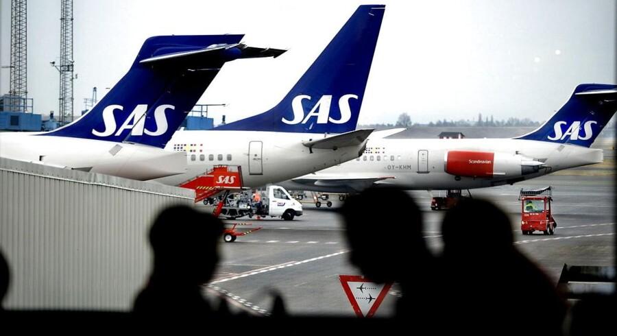 SAS sparer omkostninger ved at dirigere trafik over i Cimber, der har en lavere omkostningsstruktur. Kunderne skal ikke forvente billigere flybilletter, siger analytiker.