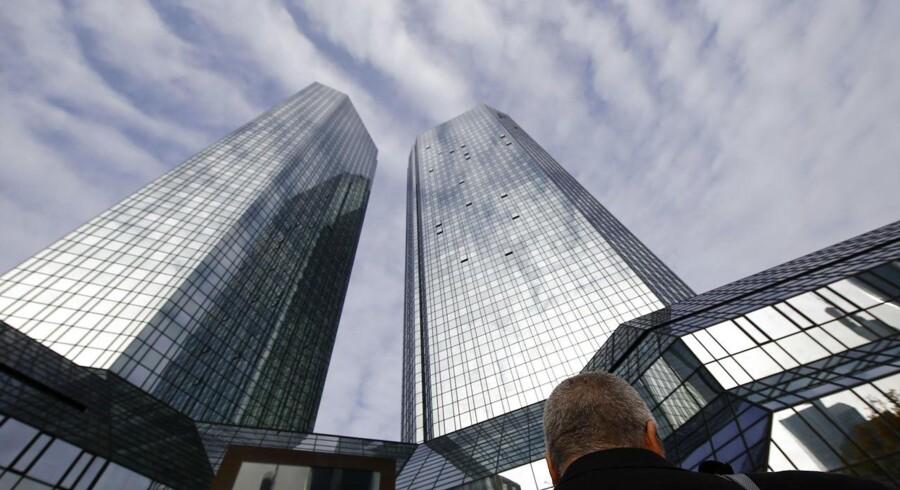 Deutsche Bank lukker sit kontor i København. På billedet ses bankens hovedkontor i Frankfurt.