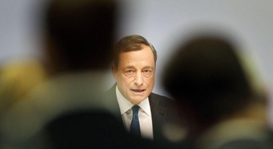 """Centralbankchef Mario Draghi ikke bare gentog, at de kvantitative lempelser fra ECB vil vare til september 2016, men han tilføjede """"eller længere, hvis det er nødvendigt""""."""