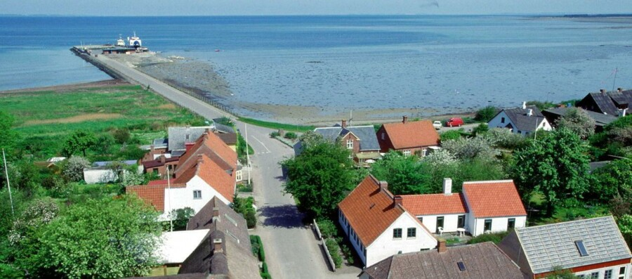 Øen Endelave er en af de få danske småøer, hvor befolkningstallet ligger på samme niveau som for 15 til 20 år siden. Arkivfoto fra 1999.