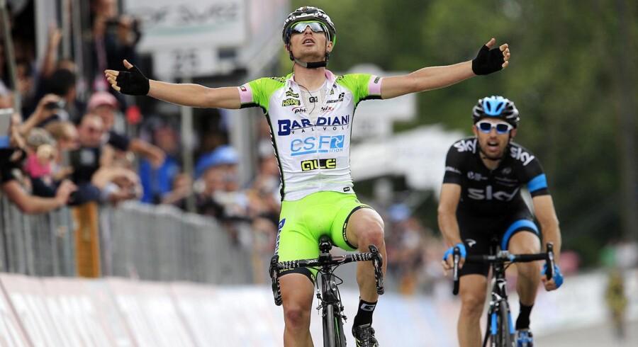 Enrico Battaglin (LottoNL-Jumbo) var hurtigst i spurten på 5. etape i Giro d'Italia på Sicilien.