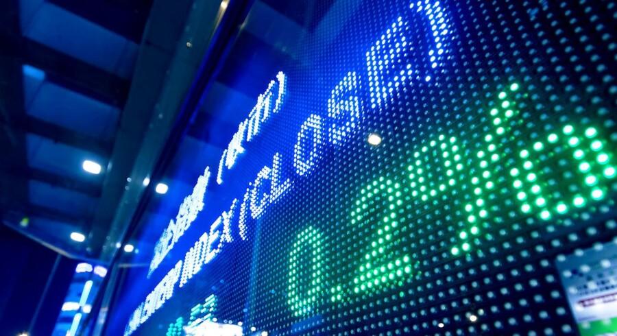 »I Europa er aktierne derimod kun steget med et par procent siden nytår. Så det gælder om at passe lidt på med danske aktier. De kan godt falde, hvis de kommende regnskaber ikke leverer varen i form af store overskud,« siger Fransk Øland Hansen, der er chefstrateg i Danske Bank.
