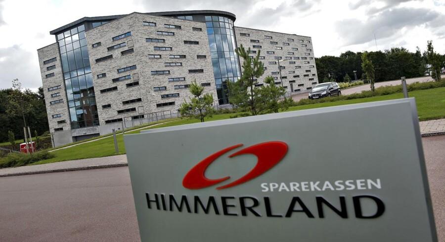 Jutlander Bank, der blev skabt gennem en fusion af Sparekassen Himmerland og Sparekassen Hobro i 2014, havde i første halvår en fremgang i gebyr- og provisionsindtægterne, der steg med 40 mio. kr. til 149,6 mio. kr.