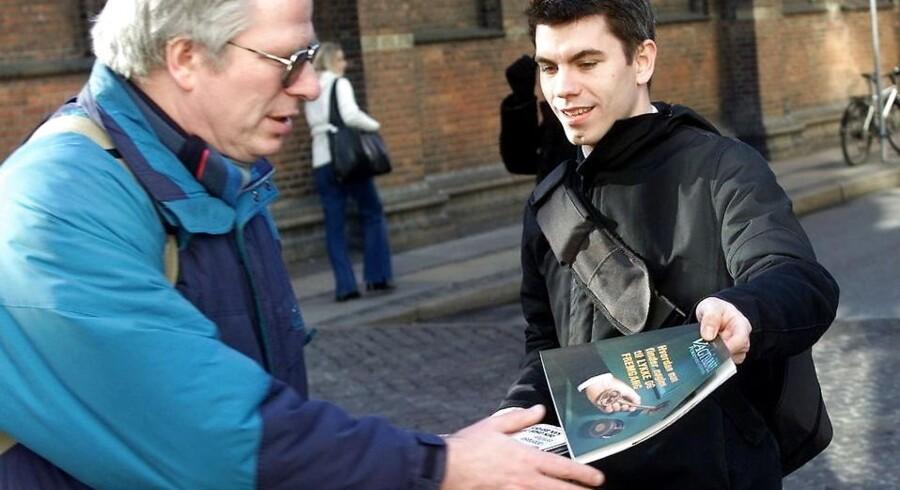 Jehovas Vidner uddeler Vagttårnet i København.