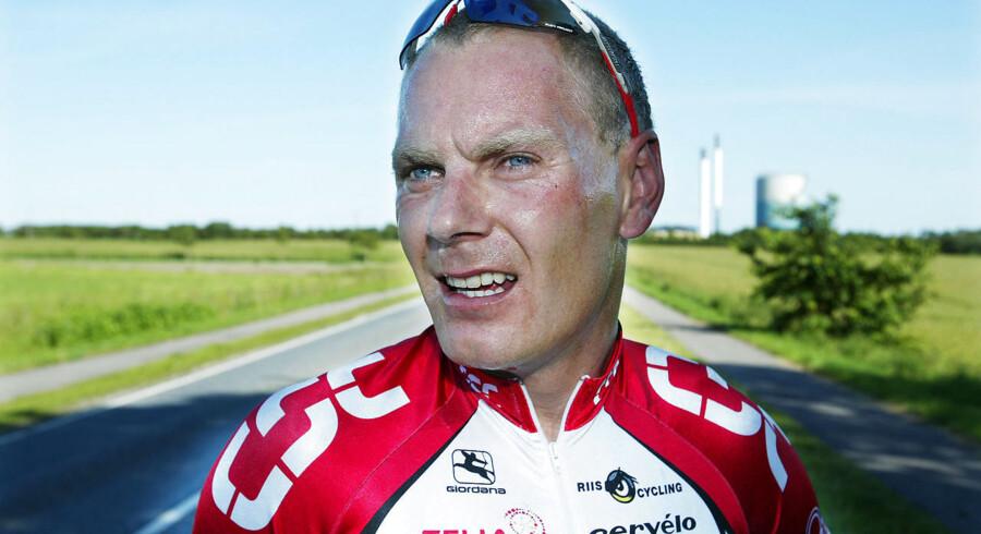 Tidligere cykelrytter Michael Sandstød var nær ven med én af de fire mænd, som omkom da en helikopter styrtede ned i Kattegat fredag.