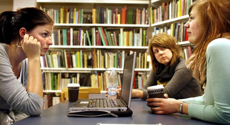 Arkivfoto. De studerende er kede af lukningerne. De så deres fagbiblioteker som steder, hvor studerende, undervisere og vejledere kunne mødes.