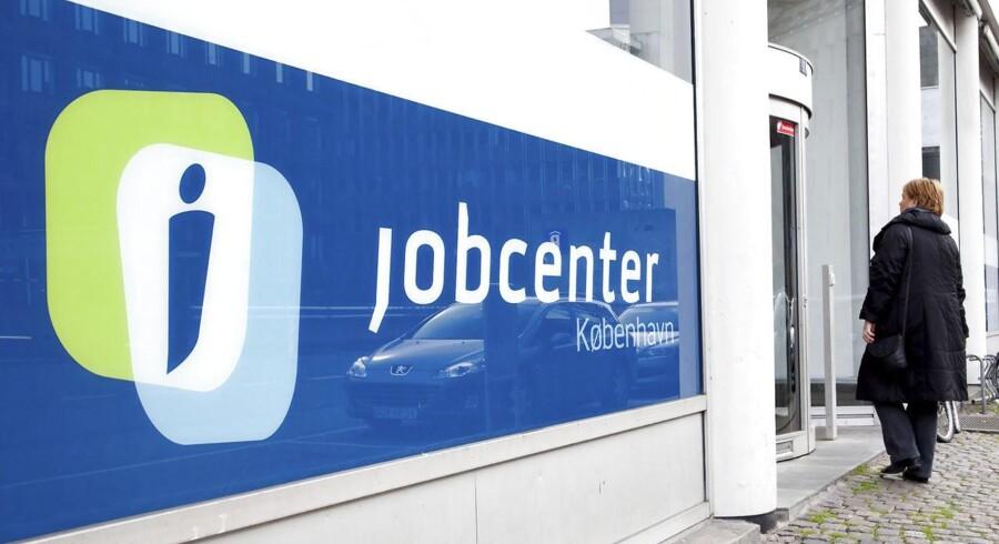 Beskæftigelsen voksede med 0,2 procent i fjerde kvartal af 2013.