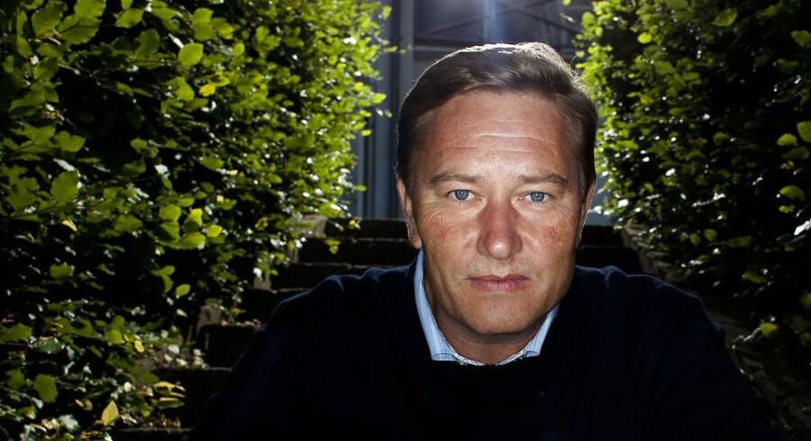 Udlændinge overtager jobbene i Danmark, hvis ikke danskerne bliver mere passionerede omkring deres arbejde og gider at bruge mere end otte timer om dagen på det, siger finansmanden Lars-Christian Brask.
