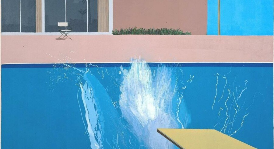 A bigger Splash - et berømt billede af David Hockney - danner indgang til Tate Moderns udstilling om forholdet mellem maleri og performanve. Foto: Tate.