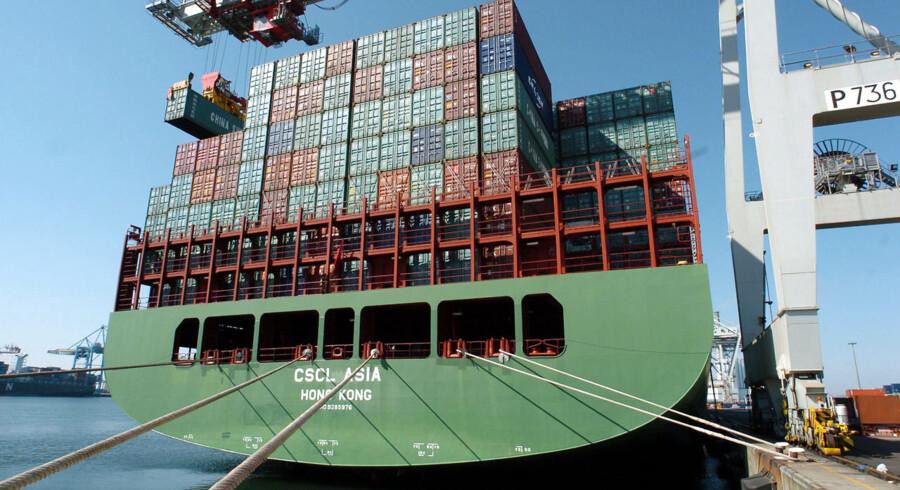 Det kinesiske rederi China Shipping Container Lines har netop bestilt fem nye skibe, der bliver større end danske Maersk Lines kommende Triple-E skibsklasse.