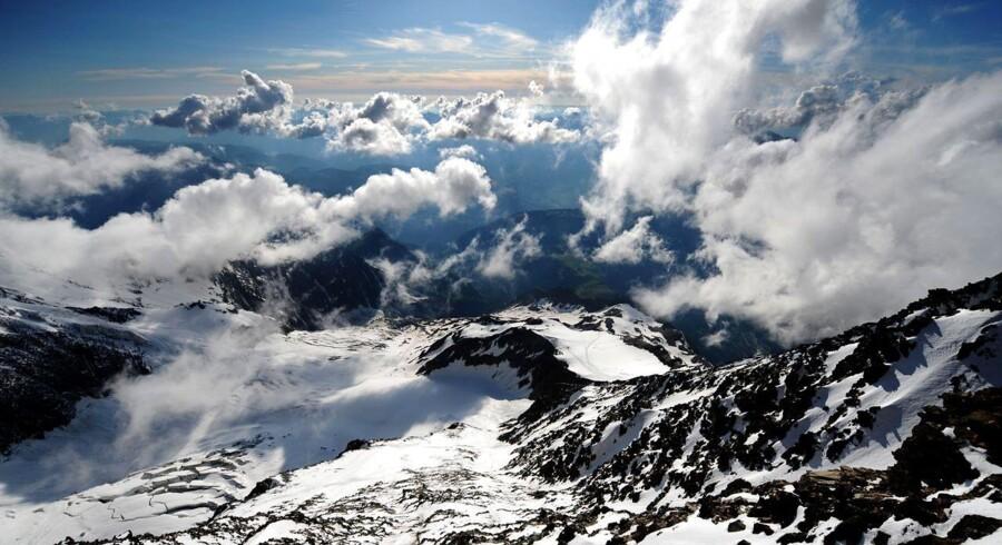Den forulykkede bjergbestiger skal have været sammen med to andre danskere, da ulykken indtraf.
