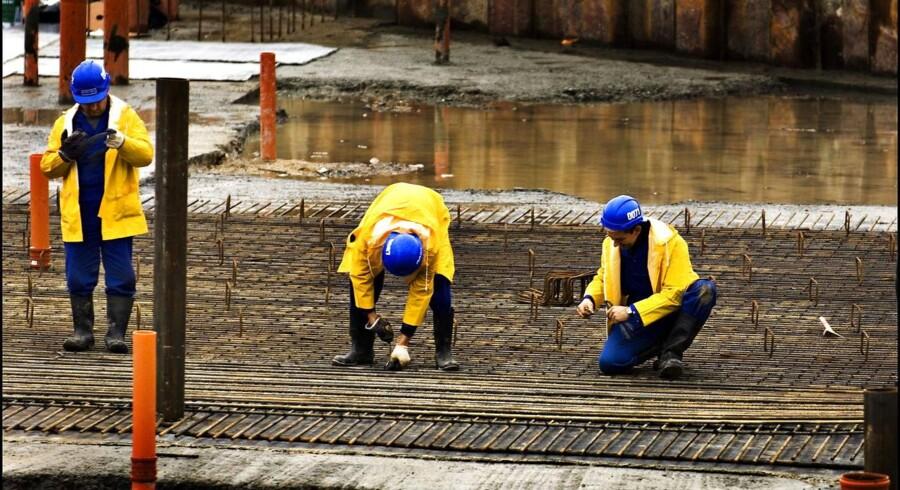 Det kan være svært at kontrollere løn- og ansættelsesforhold på tværs af EUs landgrænser. Arkivfoto: Morten Juhl