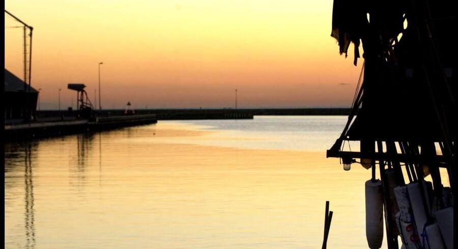 Arkivfoto. Rødby Havn ved solnedgang.