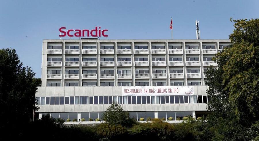 Den skandinaviske hotelkæde Scandic Hotels har første noteringsdag på børsen i Stockholm onsdag, og introduktionen har ikke været en succes.