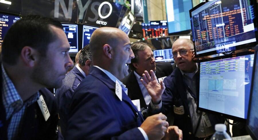 Futures på de amerikanske aktieindeks handles mandag morgen med stigninger på op til 0,2 pct. i Asien.