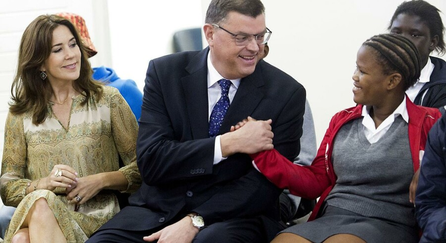 Handels- og udviklingsminister Mogen Jensen afbryder sin Afrika-tur for at tage hjem til finanslovforhandlingerne i Danmark.