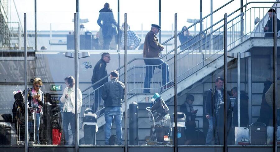 Rygeområde ved Terminal 3. Reportage fra Københavns Lufthavn, der fylder 90 år d. 20/4-2015.