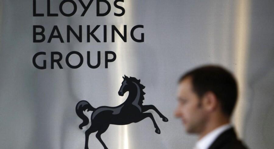Lloyds Banking Group ventes at annoncere en ny fyringsrunde af 9000 ansatte, eller ca. 10 pct. af sin arbejdsstyrke