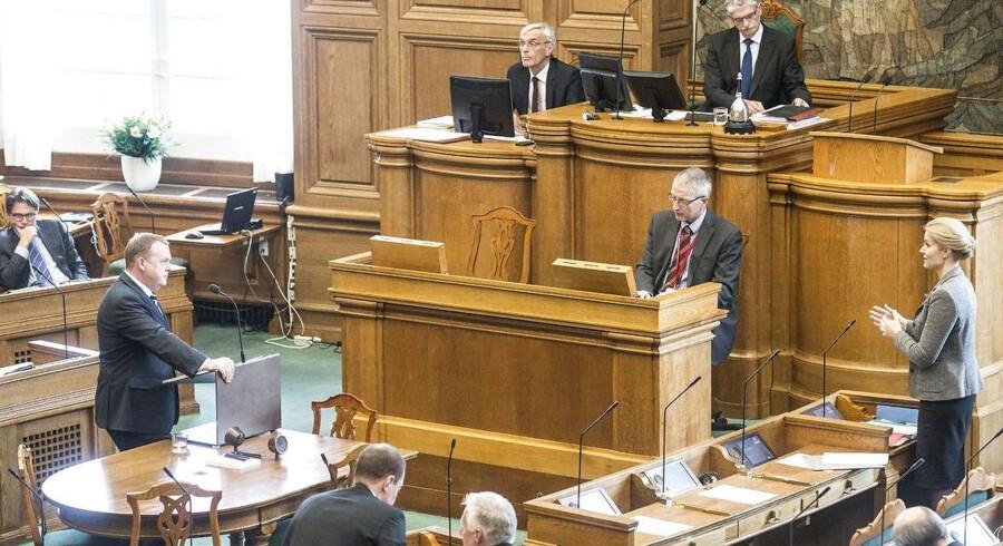 Spørgetimen i Folketinget tirsdag 1. april 2014. Statsminister Helle Thorning-Schmidt (S) og Lars Løkke Rasmussen (V) debatterre.