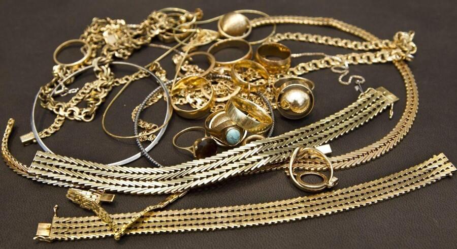 Prisen på guld når historiske højder.