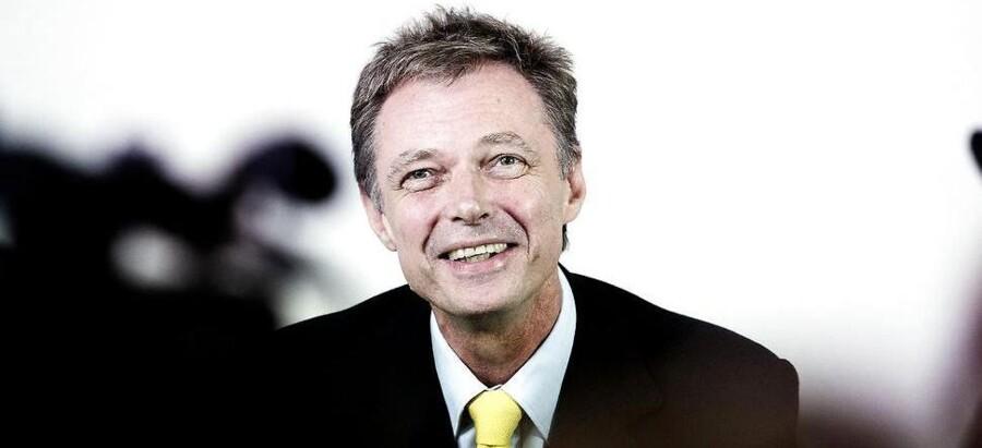 En smilende Klaus Riskær Pedersen på pressemødet mandag 30. september 2013 i anledning af hans prøveløsladelse fra fængslet.
