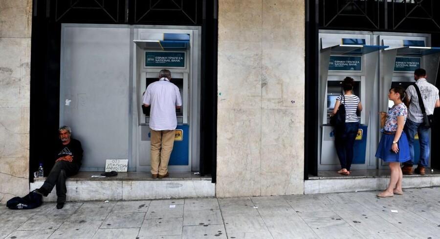 Grækerne vil have deres penge ud af banken