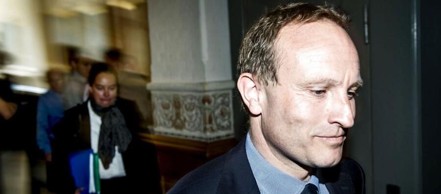 Klima- og energiminister Martin Lidegaard ankommer til samråd om solcellesagen i Folketingets klima- og energiudvalg torsdag d. 30 maj 2013 på Christiansborg.