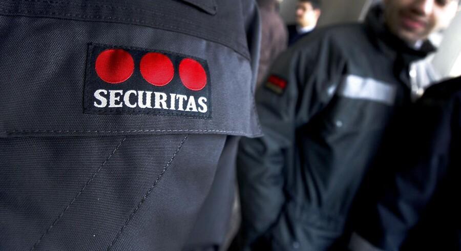 Sikringsselskabet Securitas, der er blandt G4S' konkurrenter, falder tungt med omkring 4,5 pct. på Stockholmsbørsen efter offentliggørelsen af regnskabet for andet kvartal.