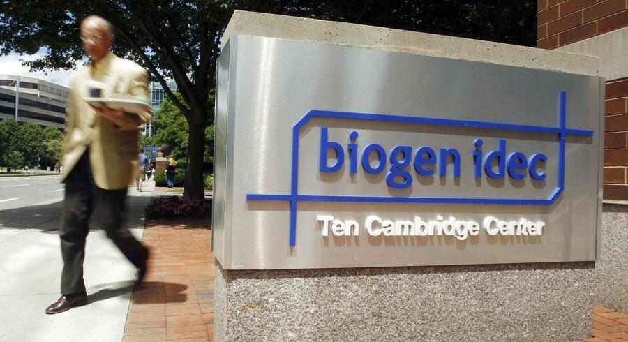 Det amerikanske medicinalselskab Biogen endte med at tage et stort kursfald i tirsdagens aktiehandel, efter at dets forsøg med et nyt præparat til behandling af multipel sklerose ikke kunne leve op til forventningerne i testforsøg i den vigtige fase 2.