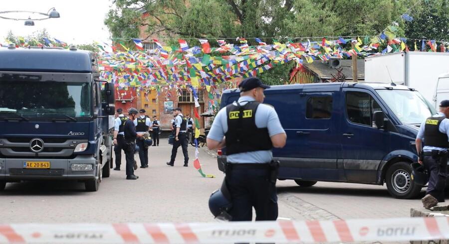 Politiet rydder Pusher Street på Christiania søndag den 27 maj 2018.