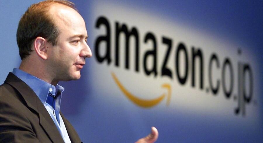 Wall Street har vænnet sig til, at Amazon bruger de fleste af pengene på at sænke priser og udvikle nye forretningsområder. Her Jeffrey P. Bezos fra Amazon.com i USA.