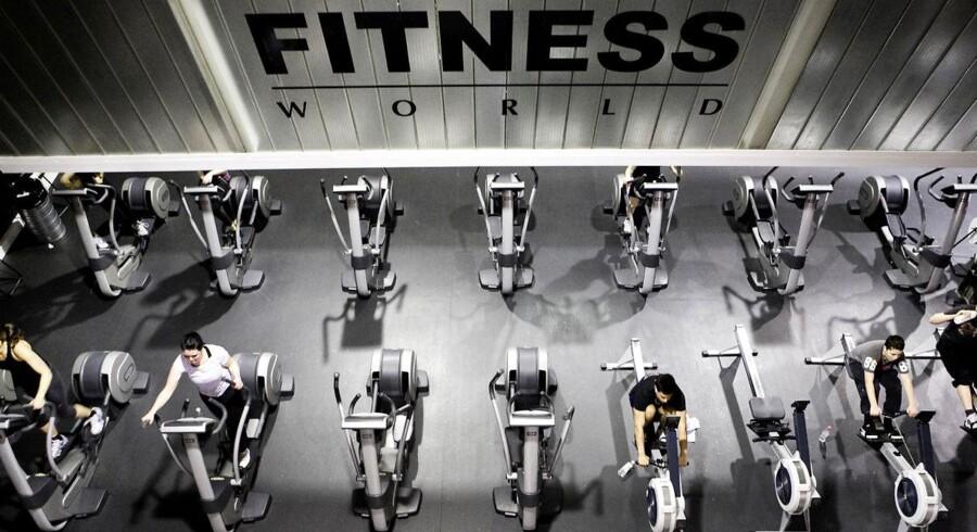 Her er vi i Fitness World på Holmen i København.