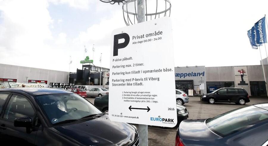 Europark er et af de to private selskaber, der tjener stadig flere penge på danskernes parkering.