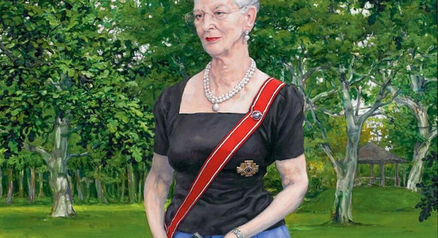 Michael Kvium er blandt de seneste, der har portrætteret Dronningen. Billedet, Dronningen holder i hånden, har hun selv malet efter forslag fra Kvium. Billedet tilhører Vallø Slot.