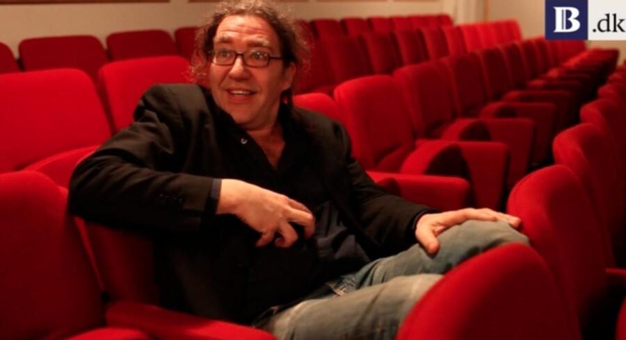 Peter Langdal benytter sin omfattende erfaring fra teaterverdenen til, i ny bog at rådgive om ledelse.