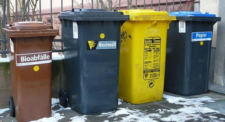 """Den særlige gule bøtte til returemballage med """"det grønne punkt"""" er et fast indslag i det tyske gadebillede."""